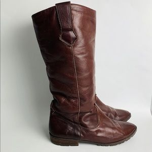 Vintage Italian leather boot with fleece lining
